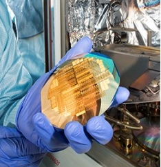 Thin film gold coating on a silicon wafer